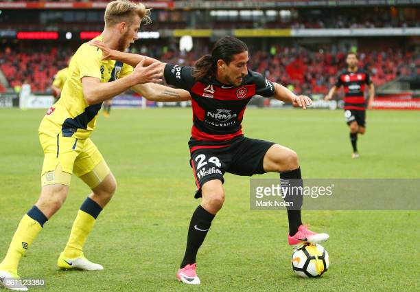 Raul Llorente of the Wanderers controls the ball during the round two ALeague match between the Western Sydney Wanderers and the Central Coast...