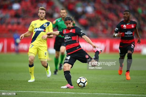 Raul Llorente of the Wanderers takes a shot at goal during the round two ALeague match between the Western Sydney Wanderers and the Central Coast...