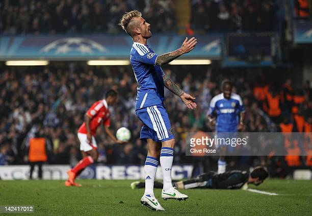 Raul Meireles of Chelsea celebrates his goal during the UEFA Champions League Quarter Final second leg match between Chelsea and Benfica at Stamford...