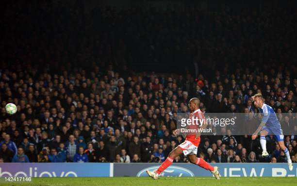Raul Meireles of Chelsea celebrates scores their second goal during the UEFA Champions League Quarter Final second leg match between Chelsea FC and...