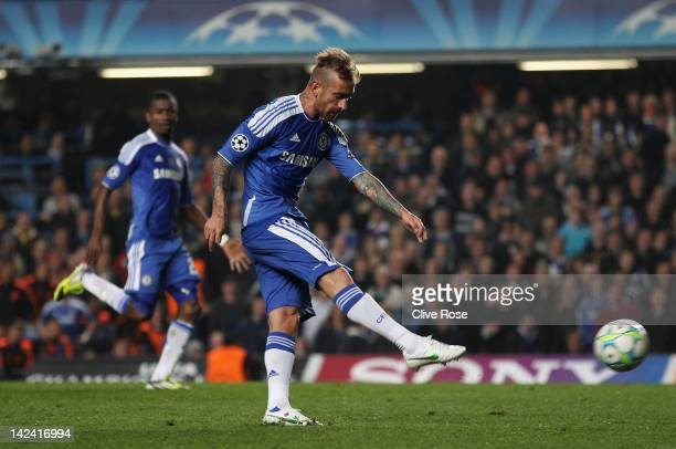 Raul Meireles of Chelsea scores during the UEFA Champions League Quarter Final second leg match between Chelsea and Benfica at Stamford Bridge on...