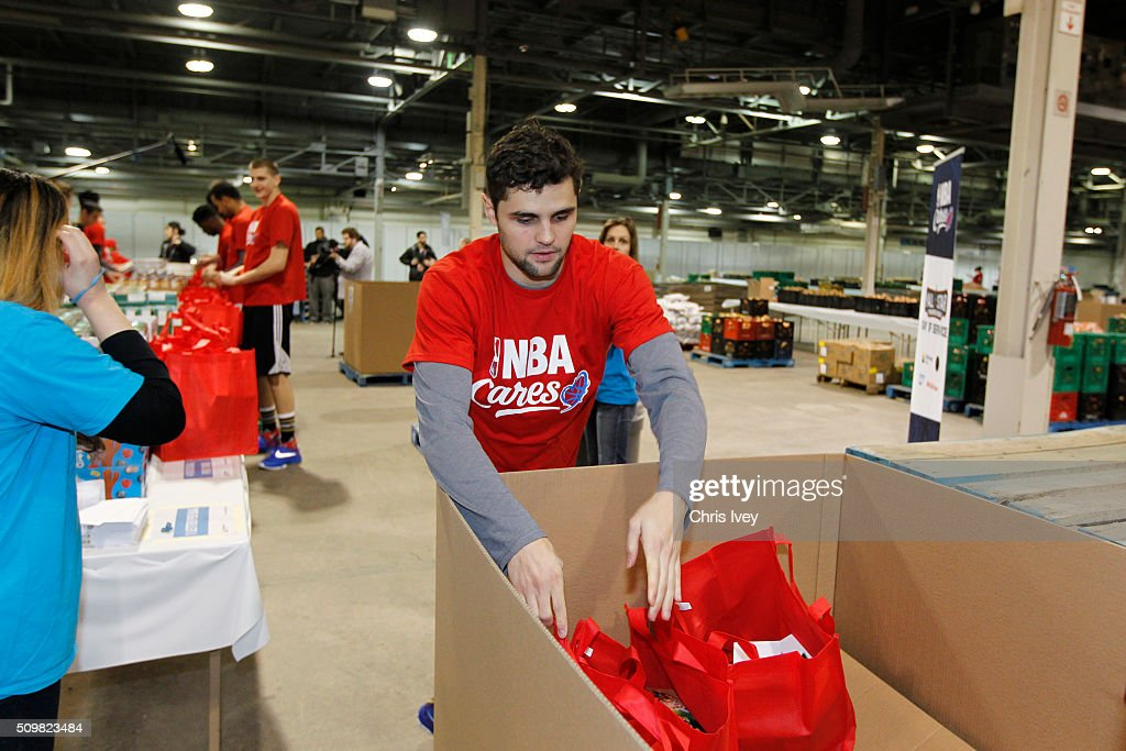<a gi-track='captionPersonalityLinkClicked' href=/galleries/search?phrase=Raul+Neto&family=editorial&specificpeople=7122500 ng-click='$event.stopPropagation()'>Raul Neto</a> #25 of the Utah Jazz participates during the NBA Cares All-Star Day of Service as part of 2016 All-Star Weekend at NBA Centre Court of the Enercare Centre on February 12, 2016 in Toronto, Ontario, Canada.