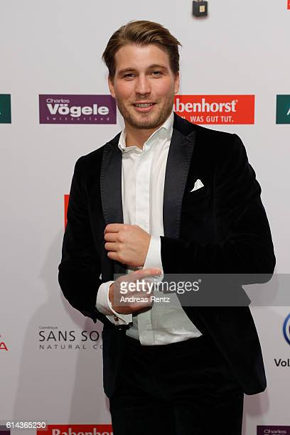 Raul Richter attends the 'Goldene Bild der Frau' award at Stage Theater on October 13 2016 in Hamburg Germany
