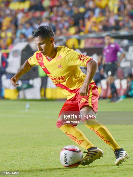 Raul Ruidiaz of Morelia drives the ball during the 3rd round match between Morelia and Santos as part of the Torneo Apertura 2017 Liga MX at Morelos...