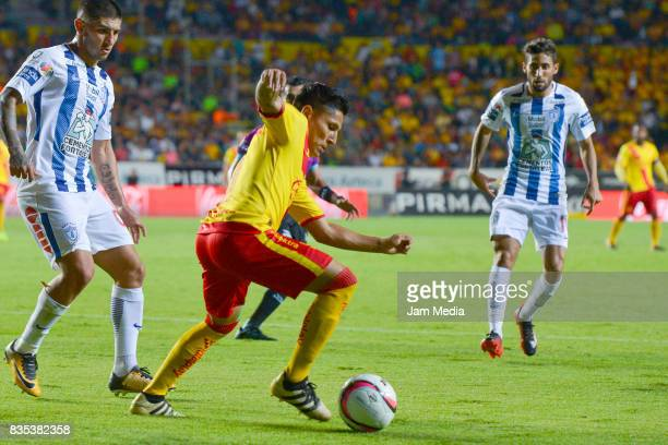 Raul Ruidiaz of Morelia in action during the fifth round match between Morelia and Pachuca as part of the Torneo Apertura 2017 Liga MX at Morelos...