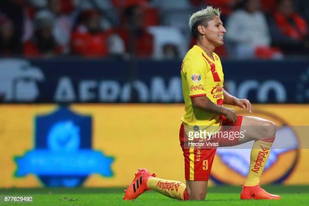 Raul Ruidiaz of Morelia reacts during a match between Toluca and Morelia as part of the Torneo Apertura 2017 Liga MX Playoff at Nemesio Diez Stadium...