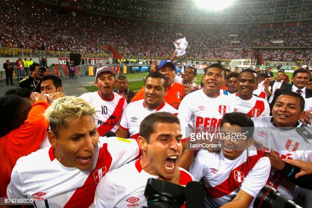 Raul Ruidiaz of Peru celebrates with teammates their victory and qualification to the World Cup after a second leg match between Peru and New Zealand...