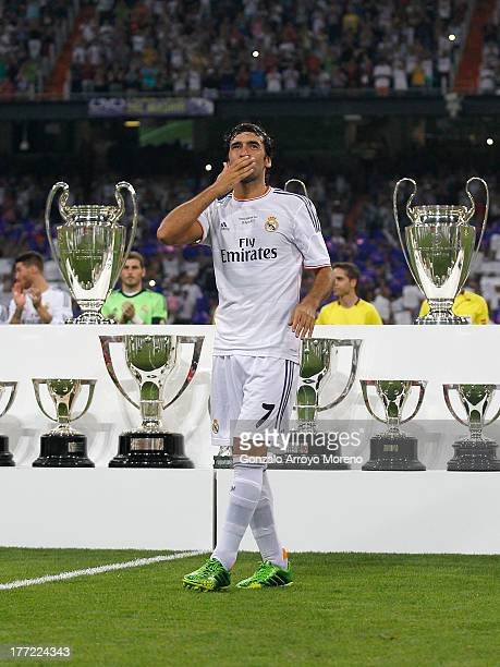 Raul the former Real Madrid player acknowledges the crowd after the Santiago Bernabeu Trophy match between Real Madrid CF and AlSadd at Estadio...