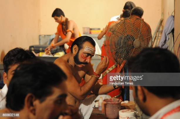 Ravana gets ready for Ramlila performance at Durga Ramlila Committee on September 27 2017 in Gurgaon India Banwari Lal Saini a 61yearold social...