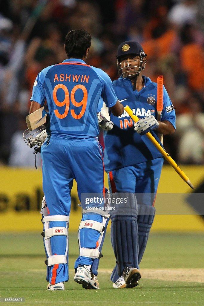Australia v India - Tri-Series Game 4