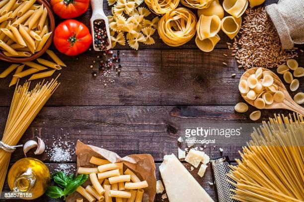 Raw pasta border