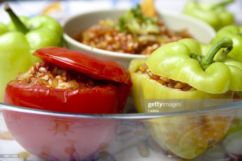 Raw stuffed peppers & tomatoes
