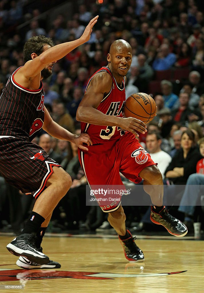 Ray Allen #34 of the Miami Heat drives against Joakim Noah #13 of the Chicago Bulls at the United Center on February 21, 2013 in Chicago, Illinois. The Heat defeated the Bulls 86-67.