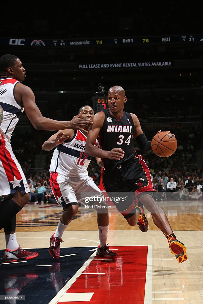 <a gi-track='captionPersonalityLinkClicked' href=/galleries/search?phrase=Ray+Allen&family=editorial&specificpeople=201511 ng-click='$event.stopPropagation()'>Ray Allen</a> #34 of the Miami Heat drives to the basket against the Washington Wizards at the Verizon Center on April 10, 2013 in Washington, DC.