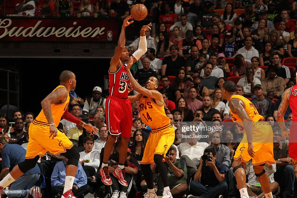 <a gi-track='captionPersonalityLinkClicked' href=/galleries/search?phrase=Ray+Allen&family=editorial&specificpeople=201511 ng-click='$event.stopPropagation()'>Ray Allen</a> #34 of the Miami Heat shoots over <a gi-track='captionPersonalityLinkClicked' href=/galleries/search?phrase=Shaun+Livingston&family=editorial&specificpeople=202955 ng-click='$event.stopPropagation()'>Shaun Livingston</a> #14 of the Cleveland Cavaliers during a game between the Cleveland Cavaliers and the Miami Heat on February 24, 2013 at American Airlines Arena in Miami, Florida.