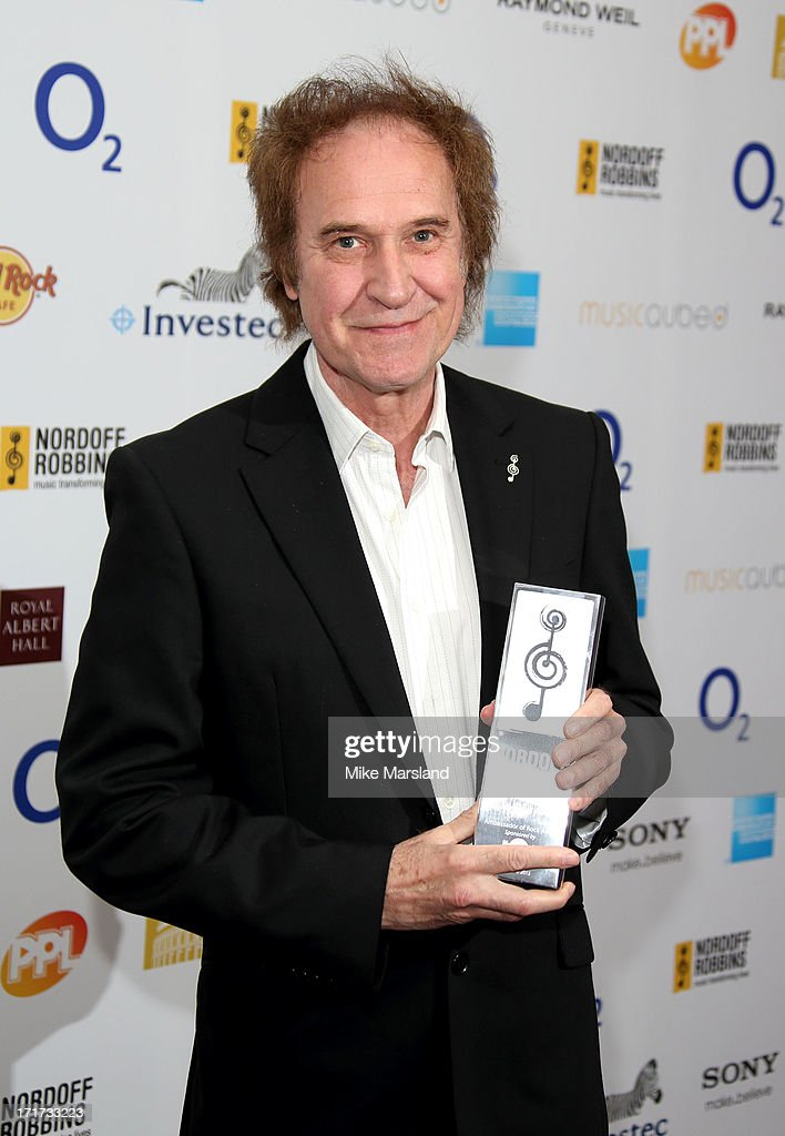 <a gi-track='captionPersonalityLinkClicked' href=/galleries/search?phrase=Ray+Davies&family=editorial&specificpeople=160365 ng-click='$event.stopPropagation()'>Ray Davies</a> attends the Nordoff Robbins Silver Clef Awards at London Hilton on June 28, 2013 in London, England.