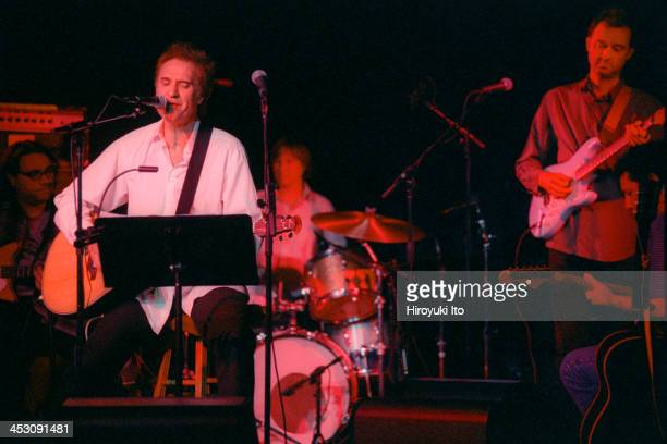 Ray Davies of the Kinks performing with Yo La Tengo at the Jane Street Theater on Wednesday night August 23 2000 This imageFrom left James McNew Ray...