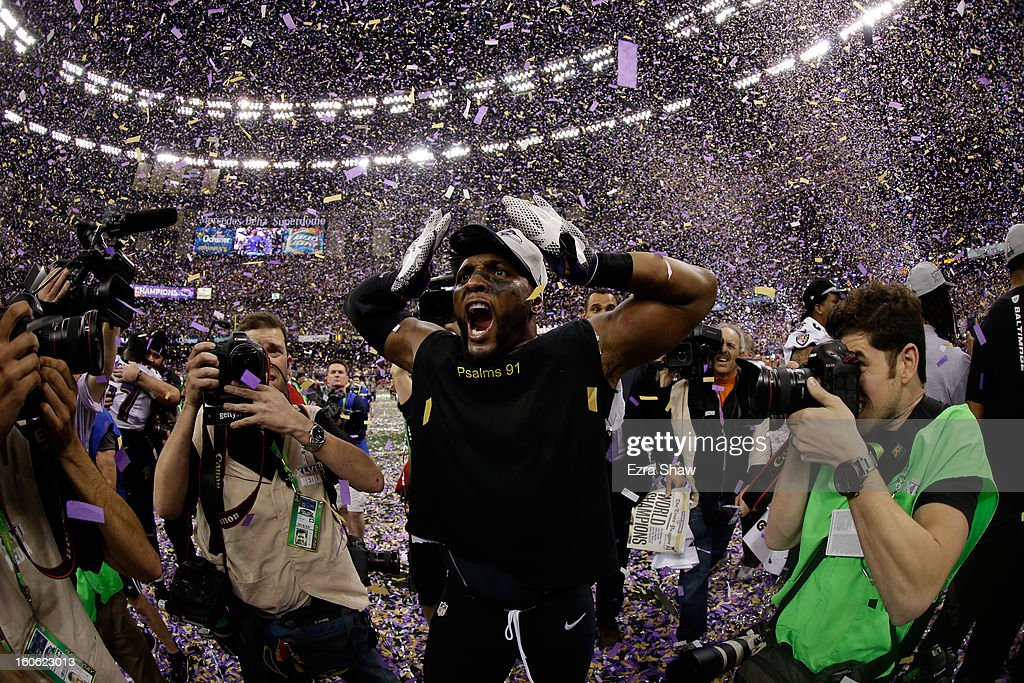Ray Lewis #52 of the Baltimore Ravens celebrates following their 34-31 win against the San Francisco 49ers during Super Bowl XLVII at the Mercedes-Benz Superdome on February 3, 2013 in New Orleans, Louisiana.