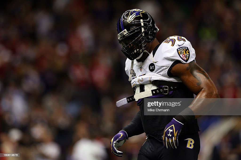 Ray Lewis #52 of the Baltimore Ravens warms up prior to Super Bowl XLVII against the San Francisco 49ers at the Mercedes-Benz Superdome on February 3, 2013 in New Orleans, Louisiana.