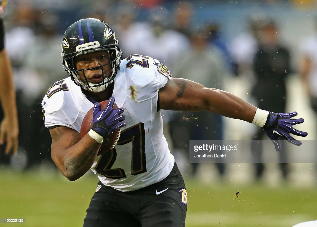 <a gi-track='captionPersonalityLinkClicked' href=/galleries/search?phrase=Ray+Rice&family=editorial&specificpeople=3980395 ng-click='$event.stopPropagation()'>Ray Rice</a> #27 of the Baltimore Ravens runs for a touchdown against the Chicago Bears at Soldier Field on November 17, 2013 in Chicago, Illinois.
