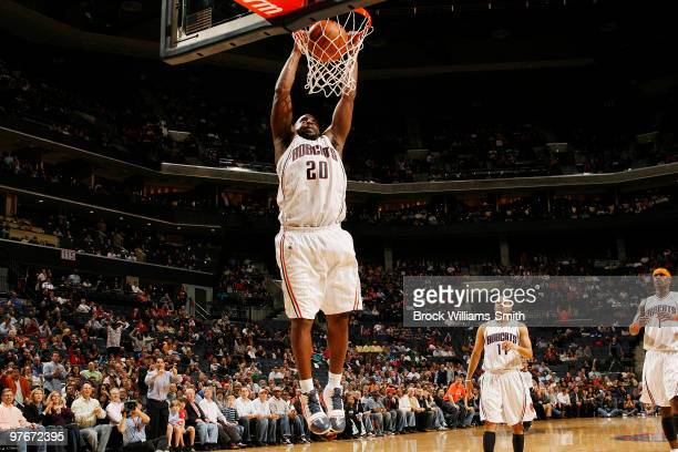Raymond Felton of the Charlotte Bobcats dunks against the Los Angeles Clippers on March 12 2010 at the Time Warner Cable Arena in Charlotte North...