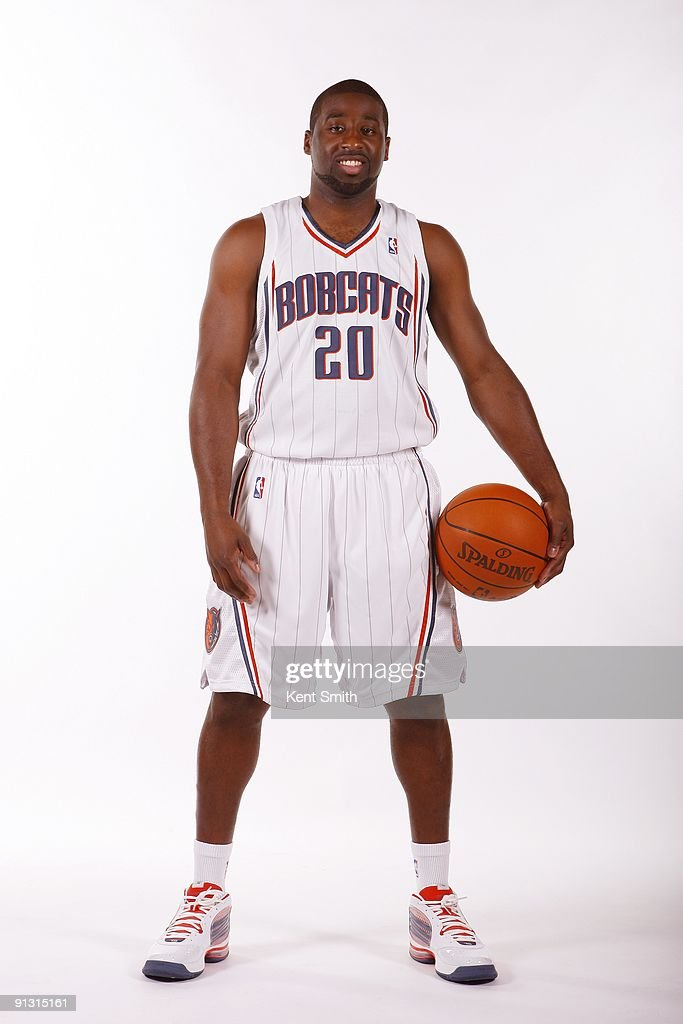 <a gi-track='captionPersonalityLinkClicked' href=/galleries/search?phrase=Raymond+Felton&family=editorial&specificpeople=209141 ng-click='$event.stopPropagation()'>Raymond Felton</a> #20 of the Charlotte Bobcats poses for a portrait during 2009 NBA Media Day at Time Warner Cable Arena on September 28, 2009 in Charlotte, North Carolina.