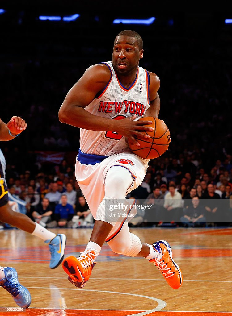 Raymond Felton #2 of the New York Knicks in action against the Memphis Grizzlies at Madison Square Garden on March 27, 2013 in New York City. The Knicks defeated the Grizzlies 108-101.