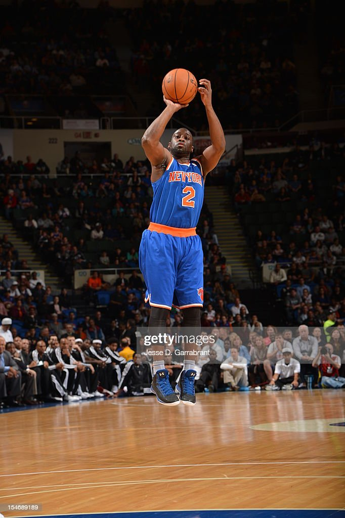 Raymond Felton #2 of the New York Knicks shoots against the Brooklyn Nets on October 24, 2012 at the Nassau Veterans Memorial Coliseum in Long Island, New York.
