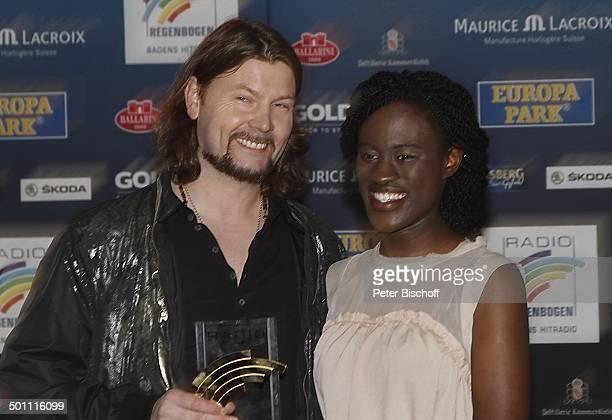 Rea Garvey mit StarGast Ivy Quainoo 15 Verleihung 'Radio RegenbogenAward' Schwarzwaldhalle Karlsruhe BadenWürttemberg Deutschland Europa...