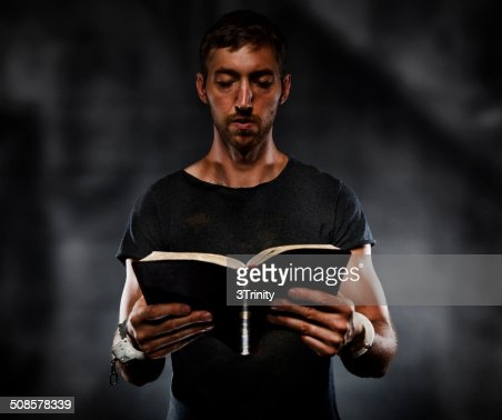 Reading Bible : Stockfoto