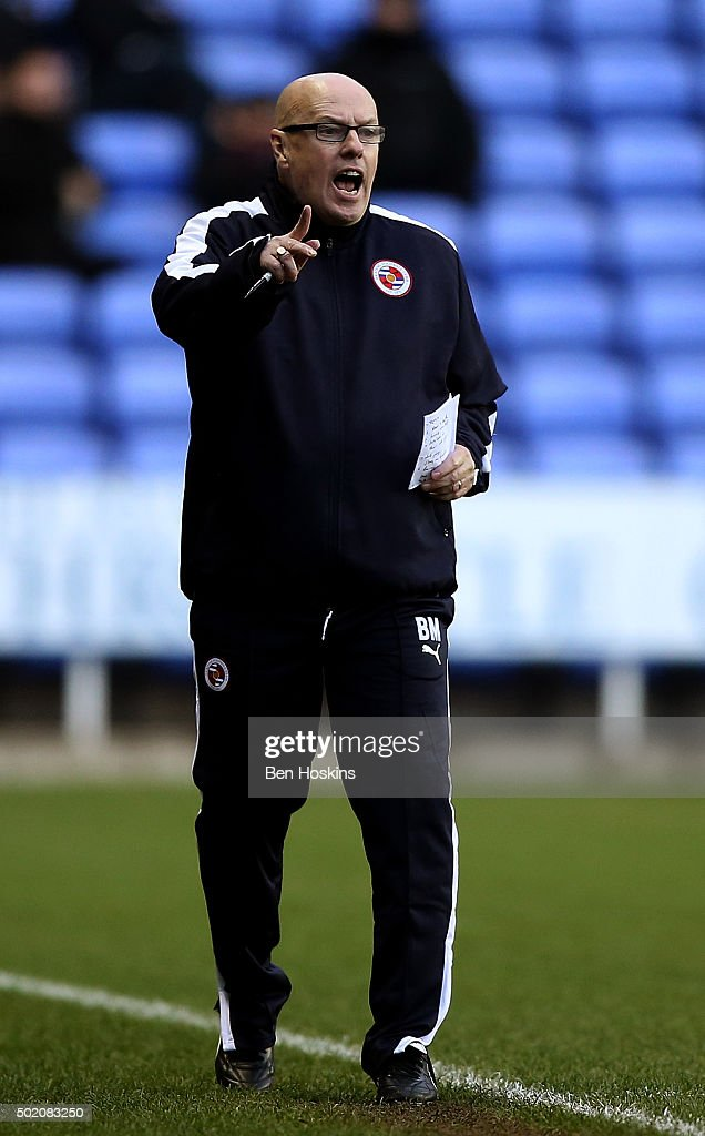 Reading manager <a gi-track='captionPersonalityLinkClicked' href=/galleries/search?phrase=Brian+McDermott+-+Dirigente+calcistico&family=editorial&specificpeople=9647614 ng-click='$event.stopPropagation()'>Brian McDermott</a> shouts instructions during the Sky Bet Championship match between Reading and Blackburn Rovers on December 20, 2015 in Reading, United Kingdom.