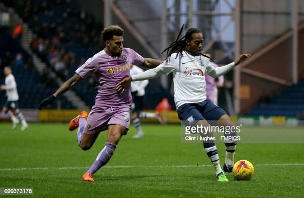 Reading's Danny Williams and Preston North End's Daniel Johnson battle for the ball