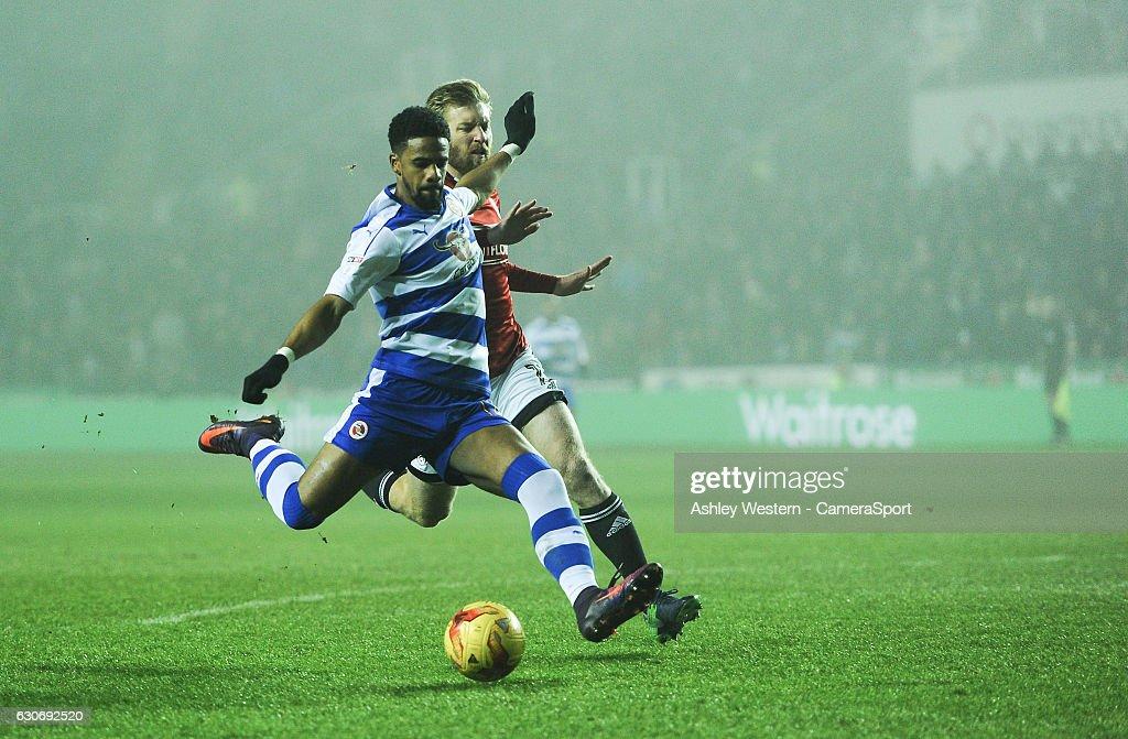 Reading v Fulham - Sky Bet Championship : News Photo