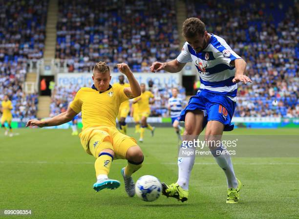 Reading's Orlando Sa and Leeds United's Gaetano Berardi battle for the ball