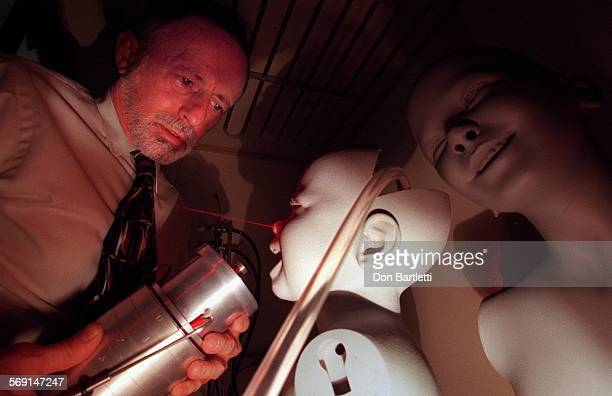 REAirPhalen2DB080798––Irvine –– Inside a clean room Dr Bob Phalen director of Air Pollution Lab at UC Irvine Medical School examines the inhalation...
