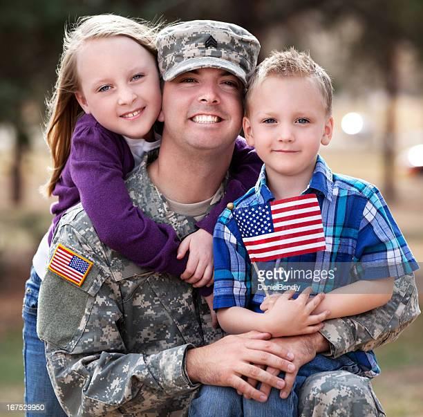 Vero esercito famiglia all'aperto