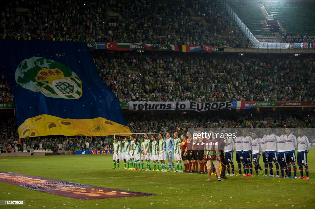 Real Betis Balompie and Olympique Lyonnais teams lineup prior to the UEFA Europa League group stage match between Real Betis Balompie and Olympique...