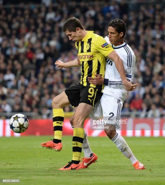 FUSSBALL CHAMPIONS Real Madrid Borussia Dortmund Robert Lewandowski gegen Raphael Varane