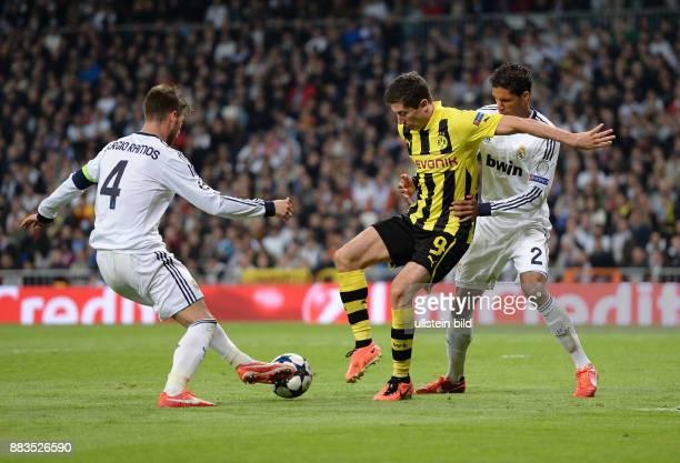 FUSSBALL CHAMPIONS Real Madrid Borussia Dortmund Robert Lewandowski gegen Sergio Ramos und Raphael Varane