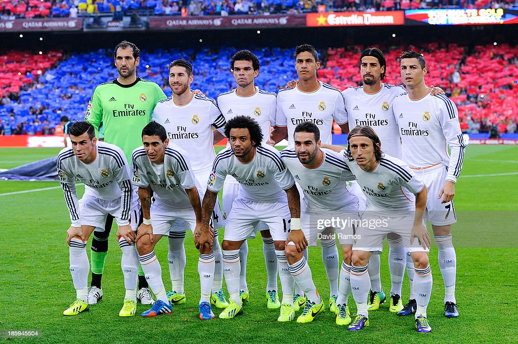 Real Madrid CF players pose for a team picture prior to the La Liga match between FC Barcelona and Real Madrid CF at Camp Nou on October 26, 2013 in Barcelona, Spain.