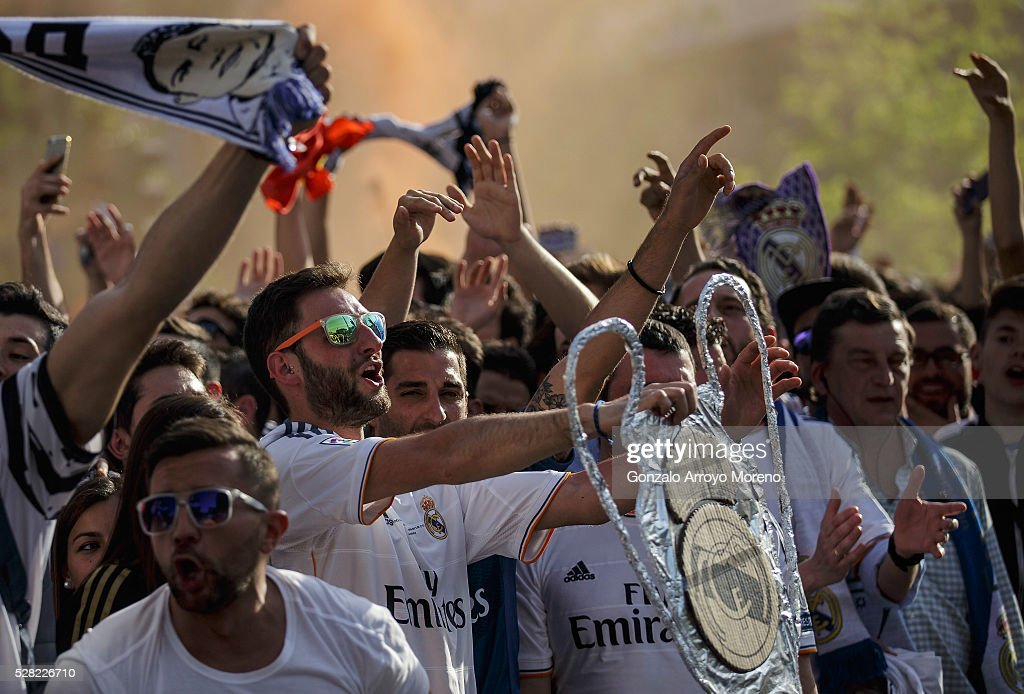 Real Madrid fans arrive at the stadium prior to kickoff during the UEFA Champions League semi final, second leg match between Real Madrid and Manchester City FC at Estadio Santiago Bernabeu on May 4, 2016 in Madrid, Spain.
