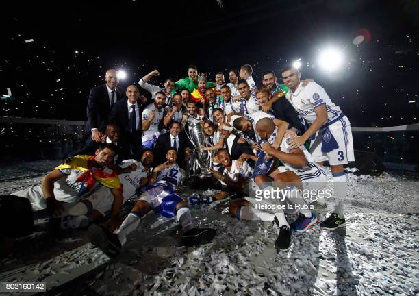 Real Madrid football players Cristiano Ronaldo Pepe Isco Zidane Modric Keylor Navas Isco Alarcon Sergio Ramos Casemiro celebrate during the Real...