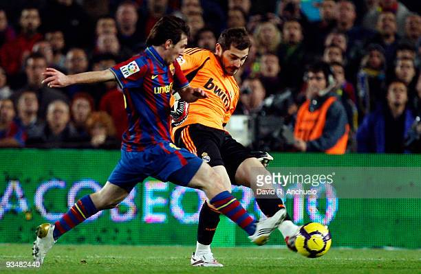 Real Madrid goalkeeper Iker Casillas in action during the La Liga match between Barcelona and Real Madrid at Nou Camp on November 29 2009 in...