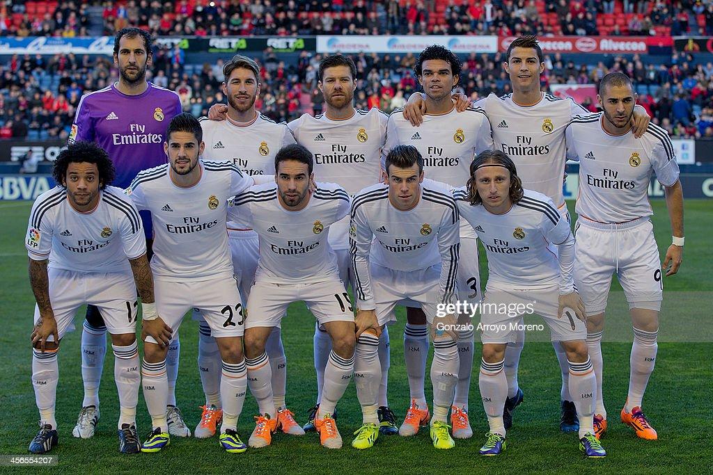 Real Madrid line up prior to start the La Liga match between CA Osasuna and Real Madrid CF at Estadio El Sadar de Navarra on December 14, 2013 in Pamplona, Spain.