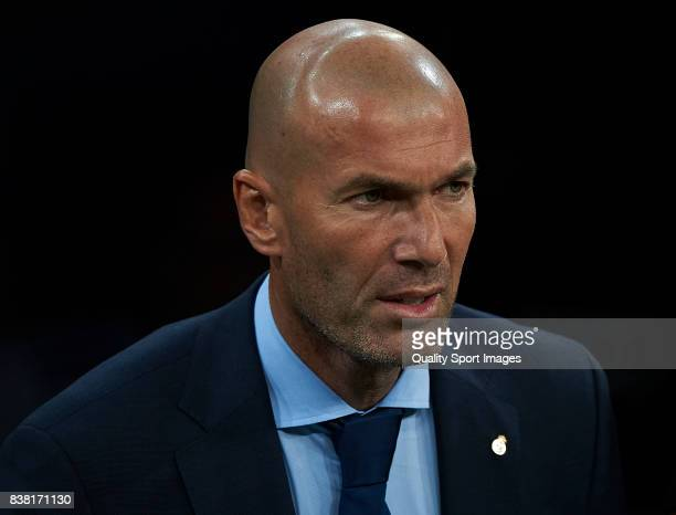 Real Madrid manager Zinedine Zidane looks on prior the Trofeo Santiago Bernabeu match between Real Madrid and ACF Fiorentina at Estadio Santiago...
