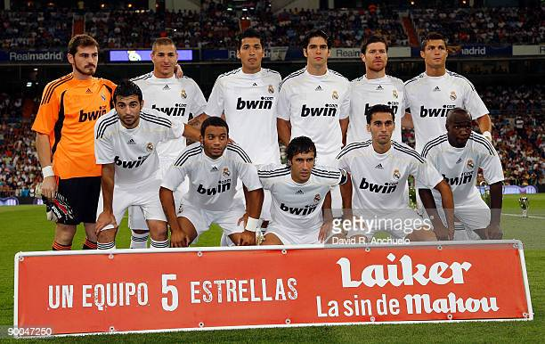Real Madrid players lineup before the Santiago Bernabeu Trophy match at Estadio Santiago Bernabeu stadium on August 24 2009 in Madrid Spain