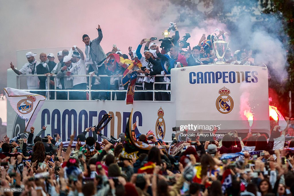 Real Madrid team arrive by bus to Cibeles square after winning the Uefa Champions League Final match agains Club Atletico de Madrid on May 29, 2016 in Madrid, Spain.