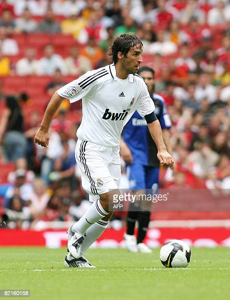 Real Madrid's footballer Raul Gonzalez in action against SV Hamburg during the Emirates Cup competition at the Emirates stadium in north London on...