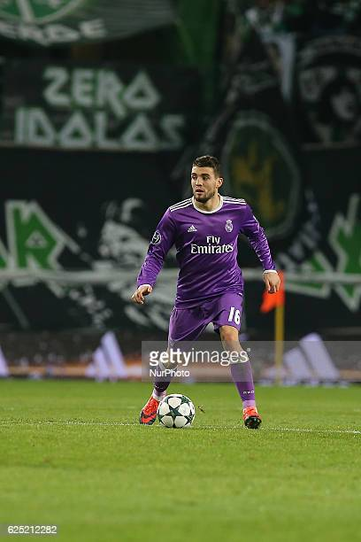Real Madrids midfielder Mateo Kovacic from Croacia in action during the UEFA Champions League match between Sporting Clube de Portugal and Real...