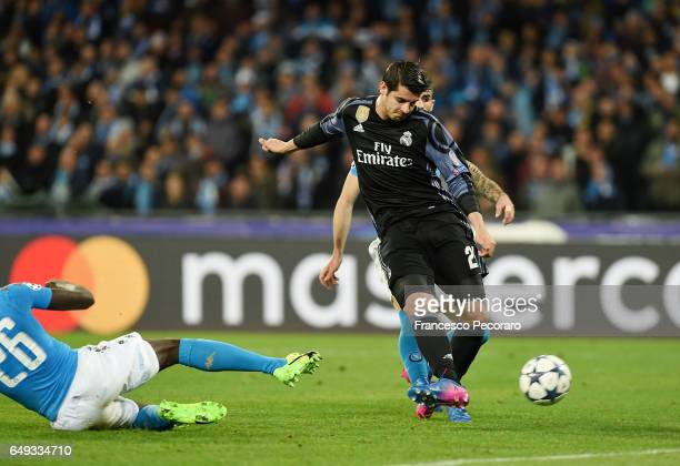 Real Madrids player Alvaro Morata scores the 13 goal during the UEFA Champions League Round of 16 second leg match between SSC Napoli and Real Madrid...